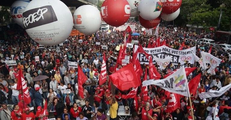 Resultado de imagem para Centrais farão nova greve geral contra reformas no final de junho
