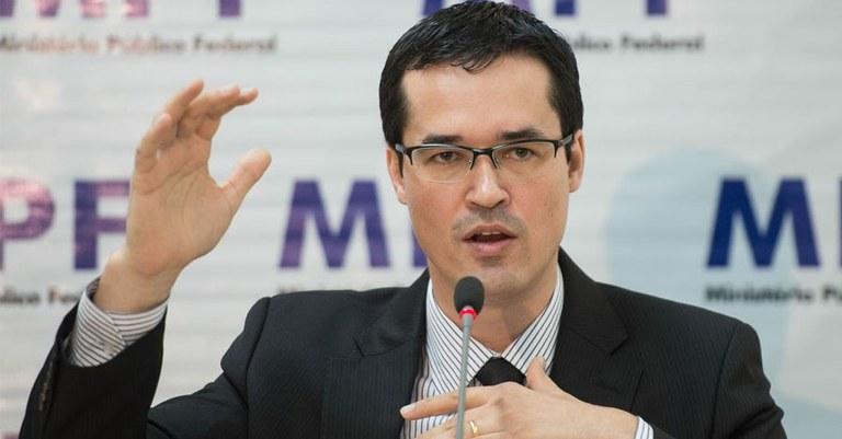 Resultado de imagem para 'É cada vez mais difícil combater a corrupção' no Brasil, diz Deltan