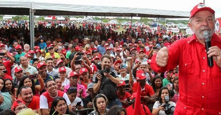 Lula MST.jpg